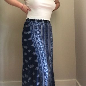 Paisley maxi skirt with buttons